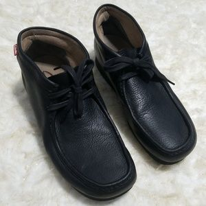 Sz 9.5M Chukka Boot Clarks Stinson Black Leather